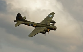 """Picture bomber, four-engine, heavy, Flying Fortress, The """"flying fortress"""", Boeing B-17"""
