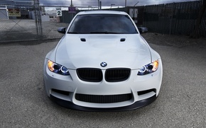 Picture white, lights, bmw, BMW, white, barbed wire, e90, daylight, fence gate