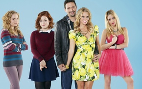 Picture Carly Chaikin, Jeremy Sisto, Suburgatory, the series, The suburbs, Allie Grant, Jane Plate, Cheryl Hines
