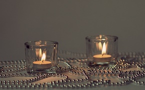 Picture lights, candles, candlesticks