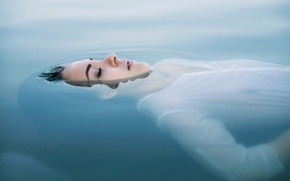 Picture girl, makeup, Sweet Dreams, in the water, Dennis Drozhzhin