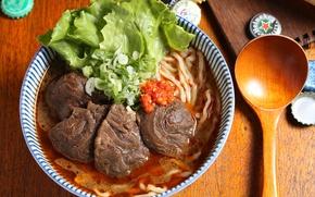 Picture spoon, soup, meat, salad, noodles