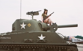 "Picture girl, weapons, tank, rifle, average, M4 Sherman, self-loading, ""Sherman"", M1 Garand"