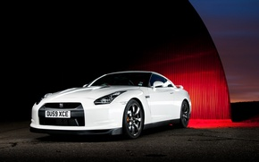 Picture Nissan, white, GT-R, front