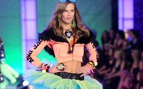 Picture model, show, podium, fashion, Victoria's Secret
