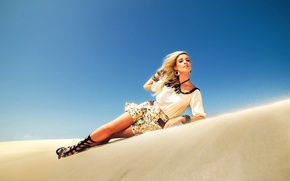Picture girl, sexy, dress, legs, desert, woman, model, blonde, Anderia