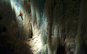 Picture ice, surface, rays, light, wall, height, the situation, goal, cave, climber