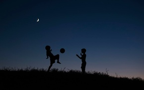 Picture night, children, the game, the ball, silhouettes