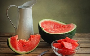 Picture watermelon, knife, pitcher, juicy