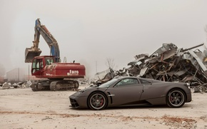 Picture supercar, Pagani, To huayr, at the dump).