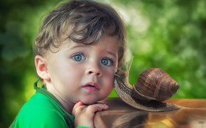 Picture look, snail, boy, friendship, blue eyes, friends