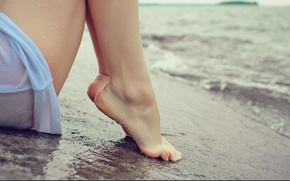 Picture sea, beach, water, girl, feet, shore