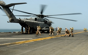Picture the ocean, soldiers, deck, helicopter, military transport, Sikorsky, Aero, heavy, UDC, Marine CH-53D Sea Stallion, …