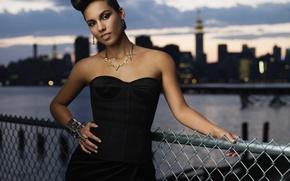 Picture pose, singer, Alicia Keys