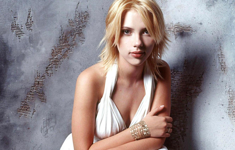 Photo wallpaper girl, actress, ring, blonde, bracelet, in white, Scarlett Johansson, Scarlett johansson