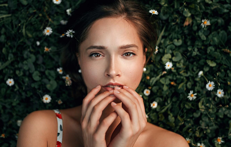 Photo wallpaper look, girl, green, sweetheart, portrait, brunette, light, the beauty, Veronika, nature, art, beauty, mood, palm, …
