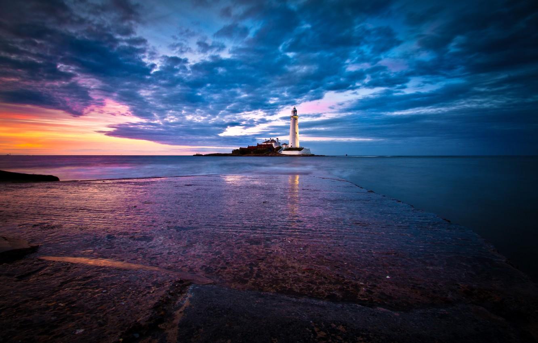 Photo wallpaper sea, the sky, dawn, coast, lighthouse, England, horizon, St. Marys Lighthouse