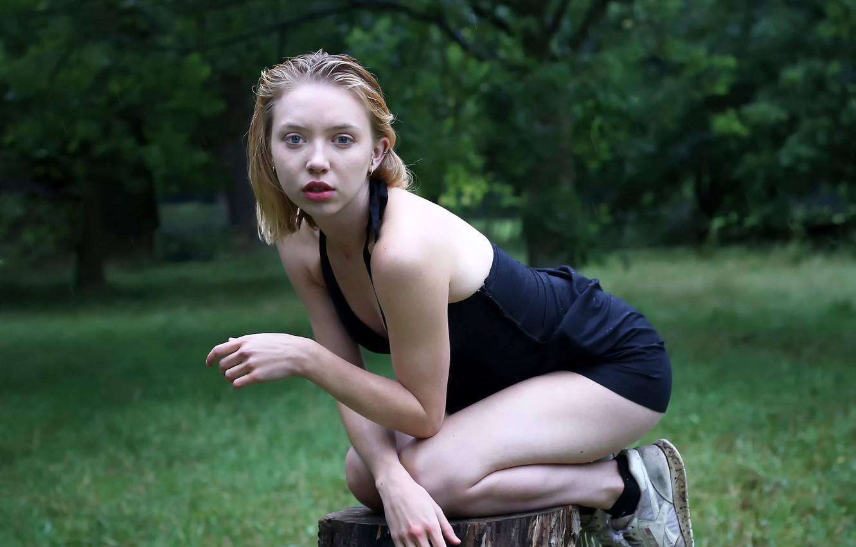 Photo wallpaper rain, stump, legs, sneakers, lovely Helen