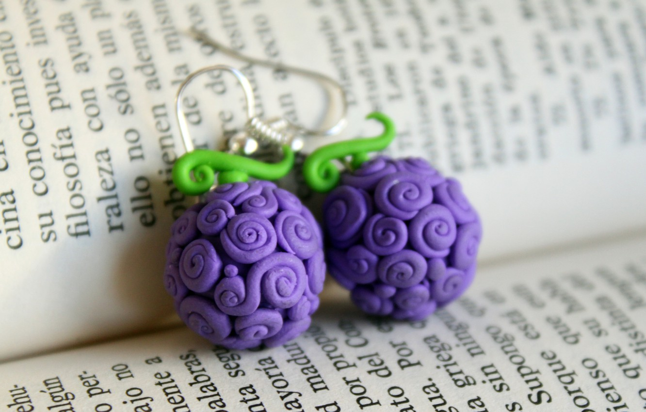 Photo wallpaper text, earrings, book