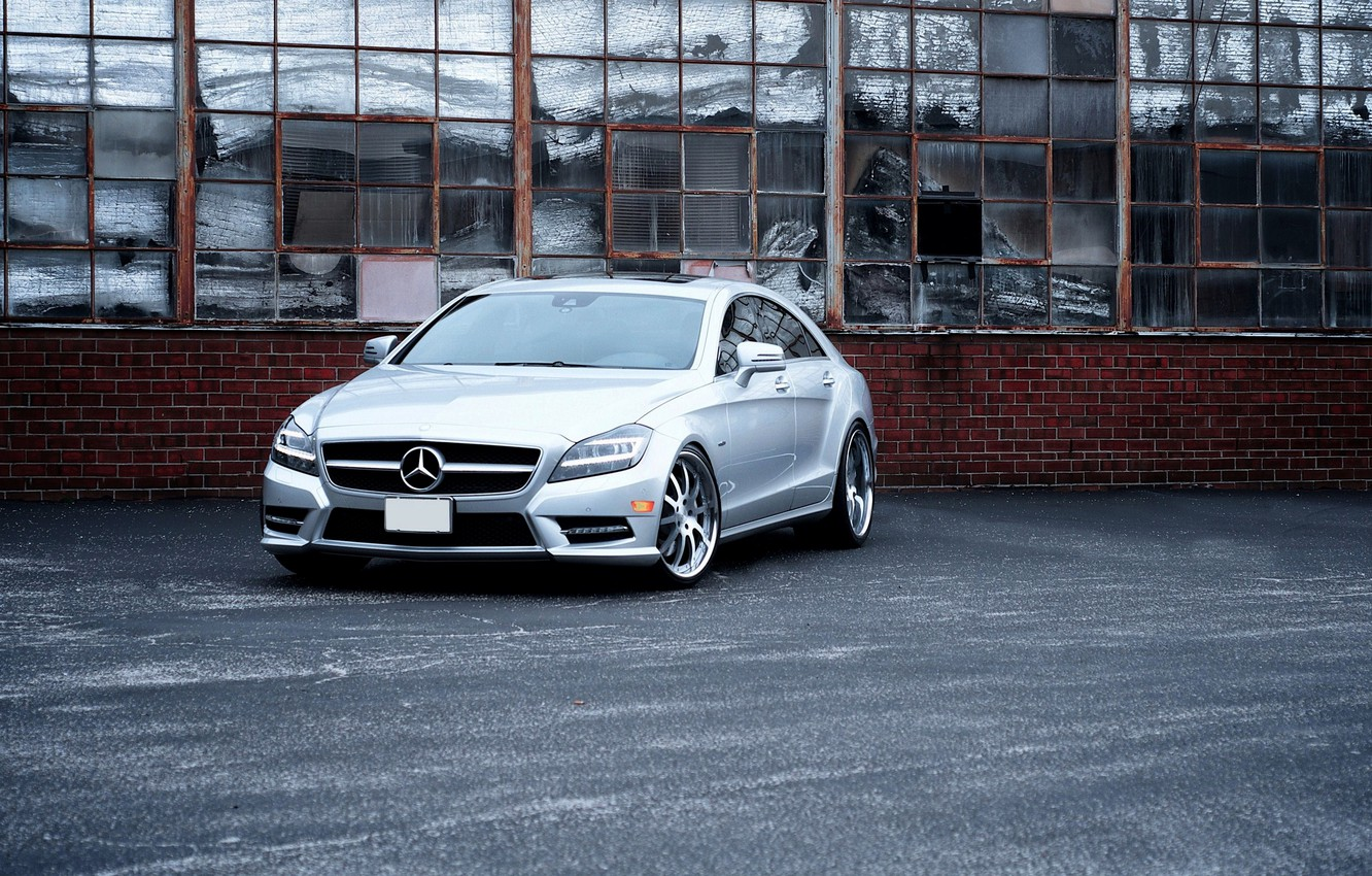 Photo wallpaper CLS, Silver, The building, Mercedes Benz, Power, 550, Windshield