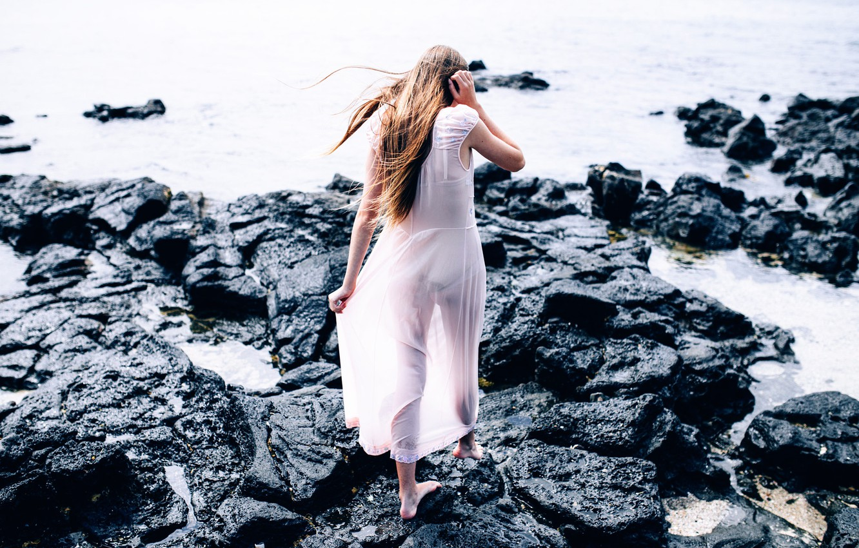 Photo wallpaper water, girl, stones