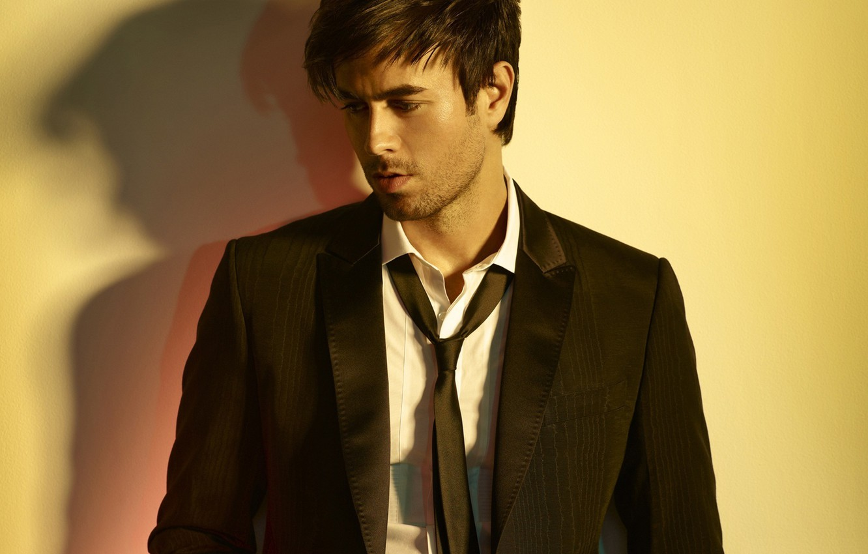 Photo wallpaper look, tie, actor, shirt, singer, Enrique Iglesias, Enrique Iglesias, the contractor, unshaven, pindzhak, Enrique Miguel …