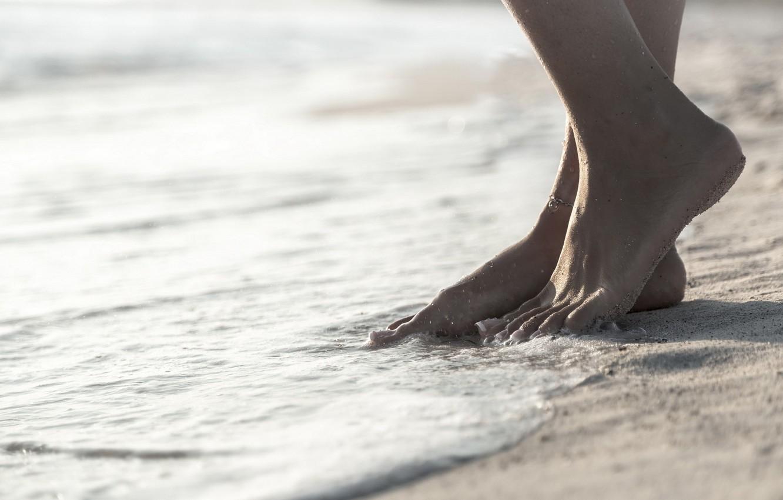 Photo wallpaper sand, feet, bracelet, tide