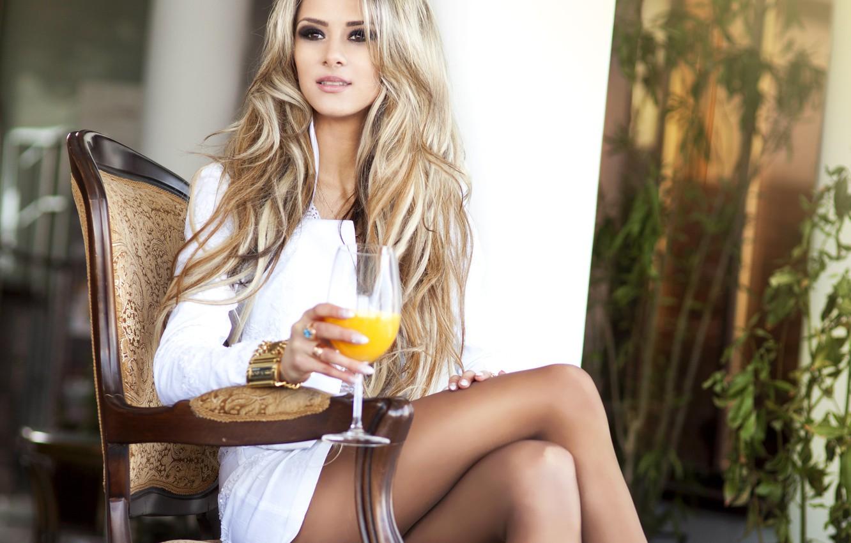 Photo wallpaper look, hand, plants, makeup, blonde, chair, bracelet, sitting, glass