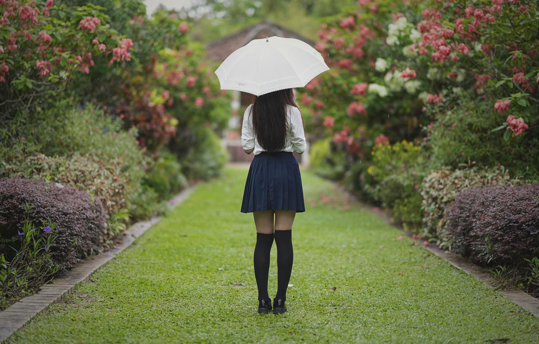 Photo wallpaper girl, Park, umbrella, hair, skirt, legs