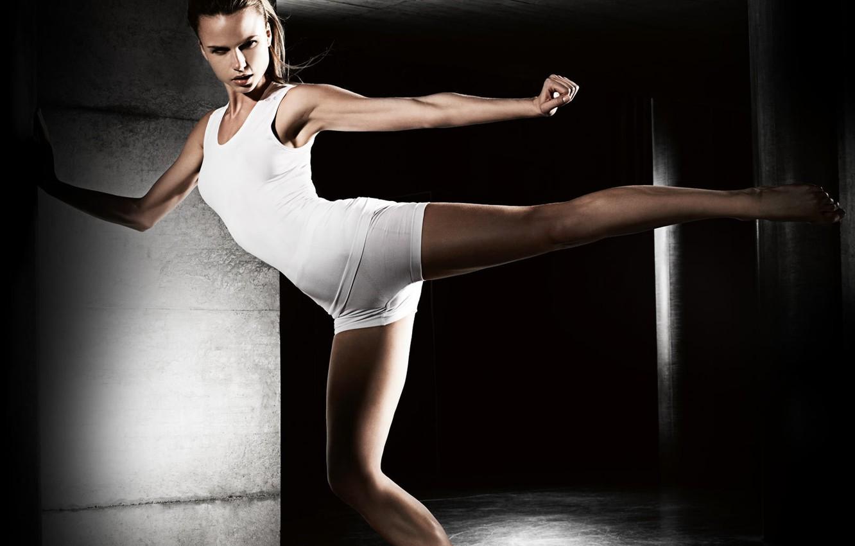Photo wallpaper blow, swing, Athlete