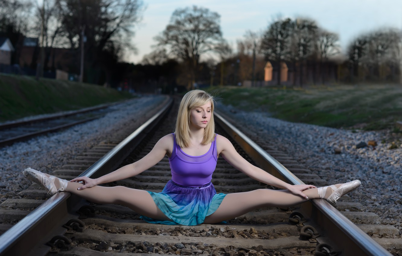 Photo wallpaper girl, rails, the situation, railroad, ballerina, twine, Pointe shoes