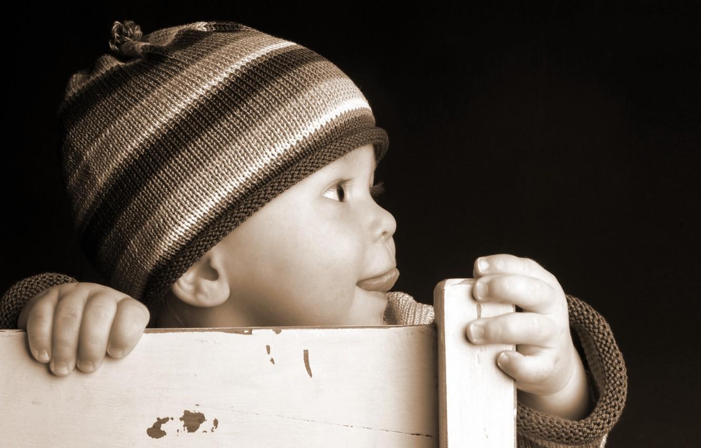Photo wallpaper language, chair, child, cap