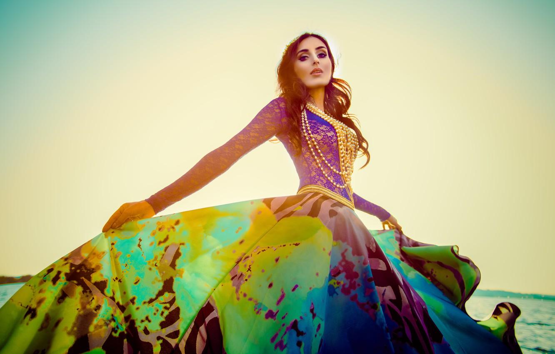 Photo wallpaper dress, beads, Mariam Mohammad