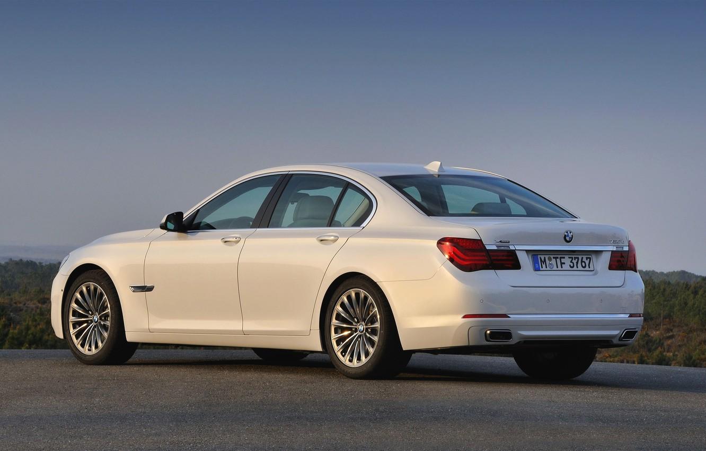 Photo wallpaper White, BMW, Machine, Boomer, Asphalt, BMW, Sedan, 7 Series