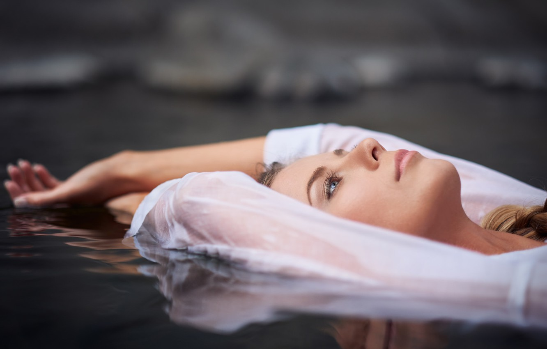 Photo wallpaper water, girl, stay, meditation
