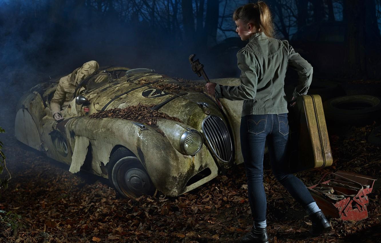 Фото обои машина, авария, девушка