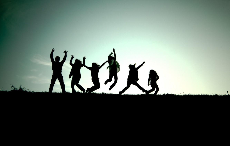 Photo wallpaper joy, green, jump, scarf, friends, emotion