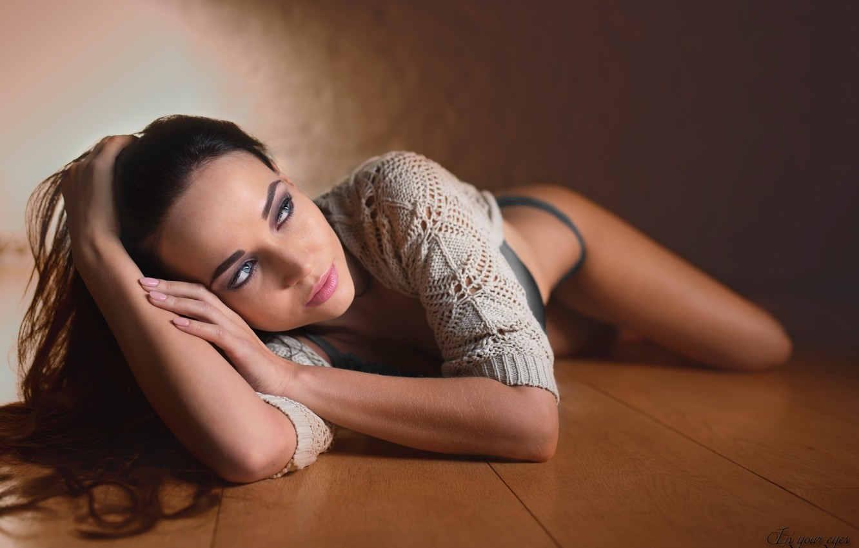 Photo wallpaper model, women, on the floor, Angelina Petrova