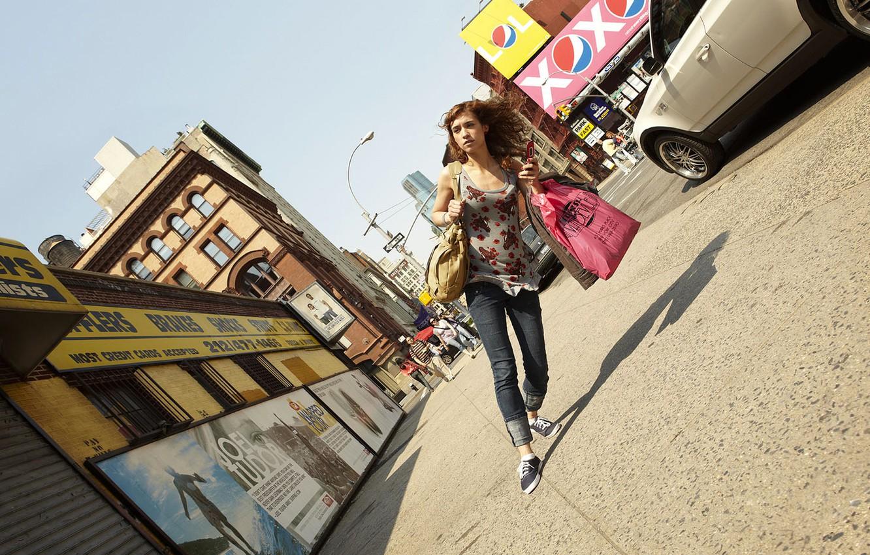 Photo wallpaper girl, creative, street, humor, distortion, tilt, bags, romain laurent, novel Lauren, pedestrian