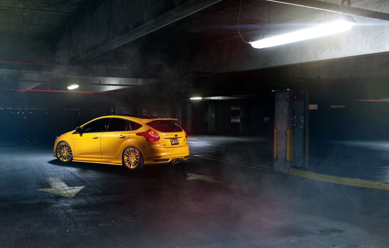 Photo wallpaper Ford, focus, Parking, Focus, Ford, yellow, rearside