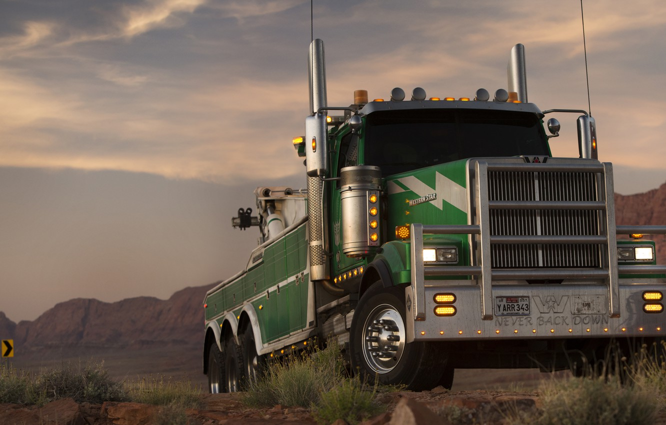 Photo wallpaper Transformers, Transformers 5: The Last Knight, Western Star 4900 SF, Onslaught