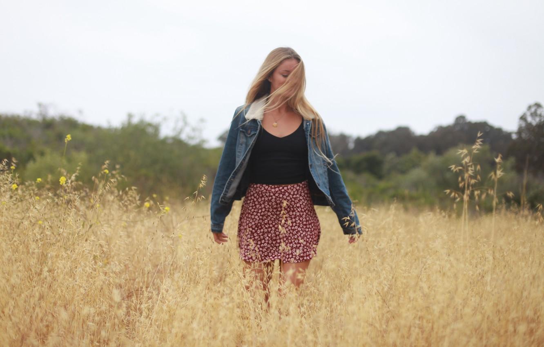 Photo wallpaper field, summer, girl, face, hair, skirt