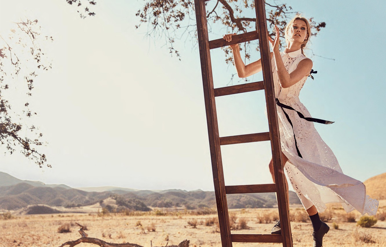 Photo wallpaper look, hills, model, Toni Garrn