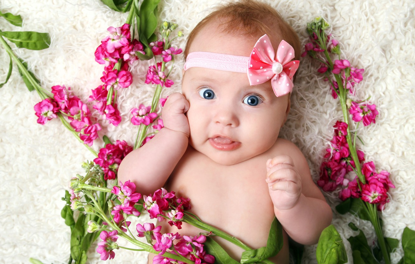 Wallpaper Flowers Smile The Game Child Girl Play Happy Smile Flowers Child Cute Cute Little Girl Beautiful Girl Happy Big Blue Eyes Images For Desktop Section Stil Download