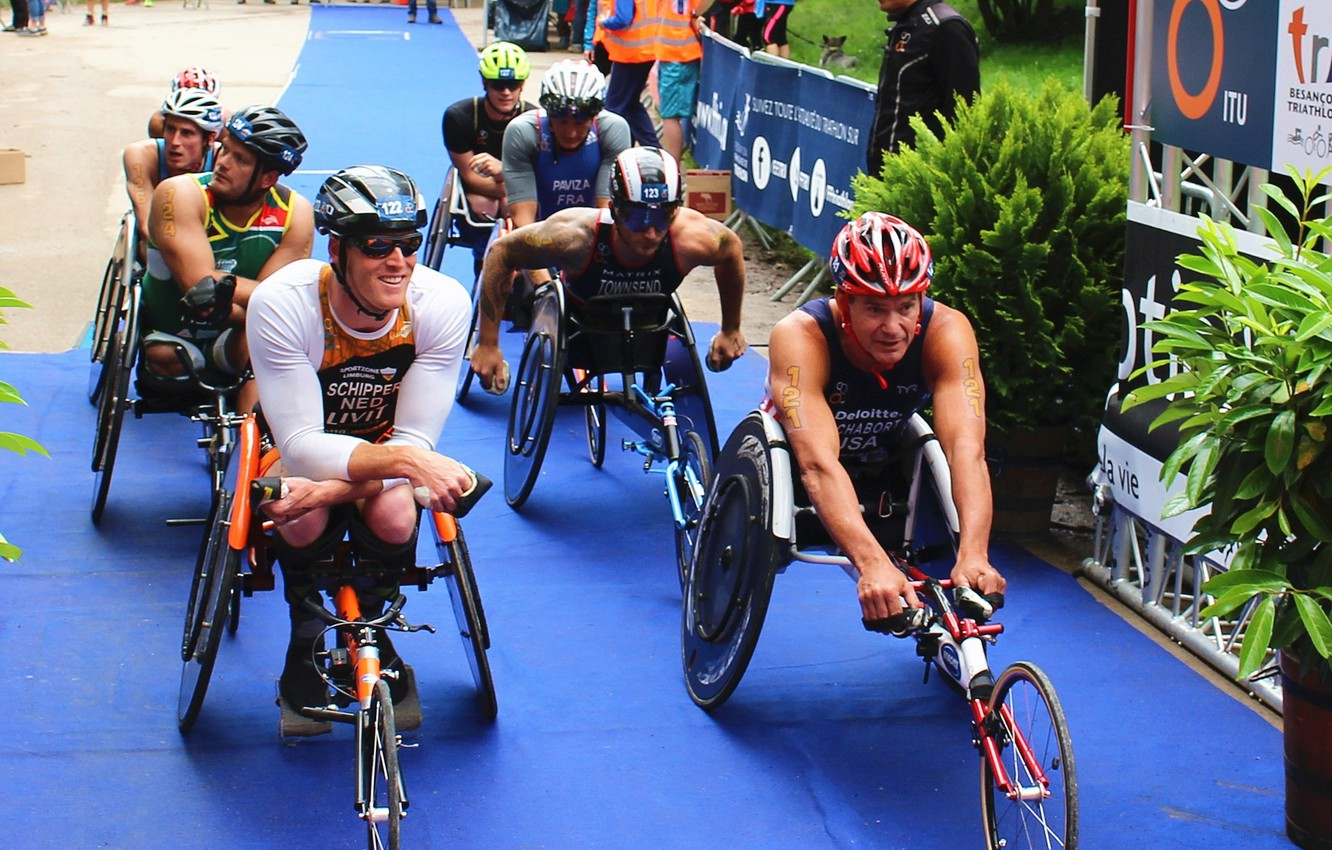 Photo wallpaper athletes, special bicycles, road bicycle