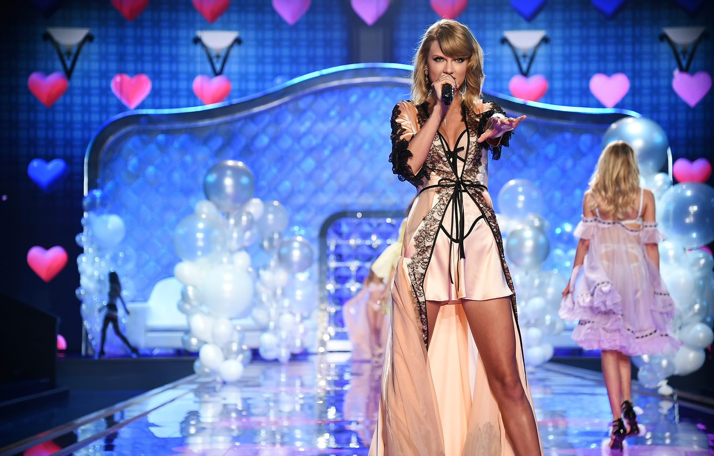 Photo wallpaper show, Taylor Swift, victoria's secret, show 2014