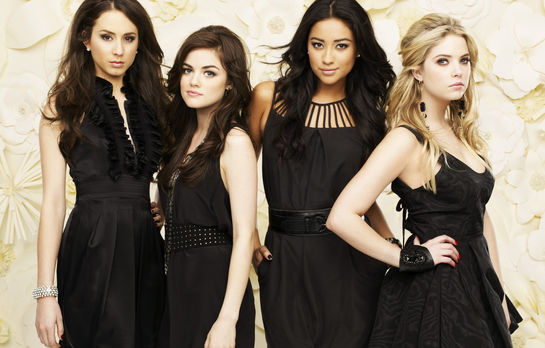 Photo wallpaper Lucy Hale, Ashley Benson, Ashley Benson, Troian Avery Bellisario, Shay Mitchell, Pretty little liars, Lucy …