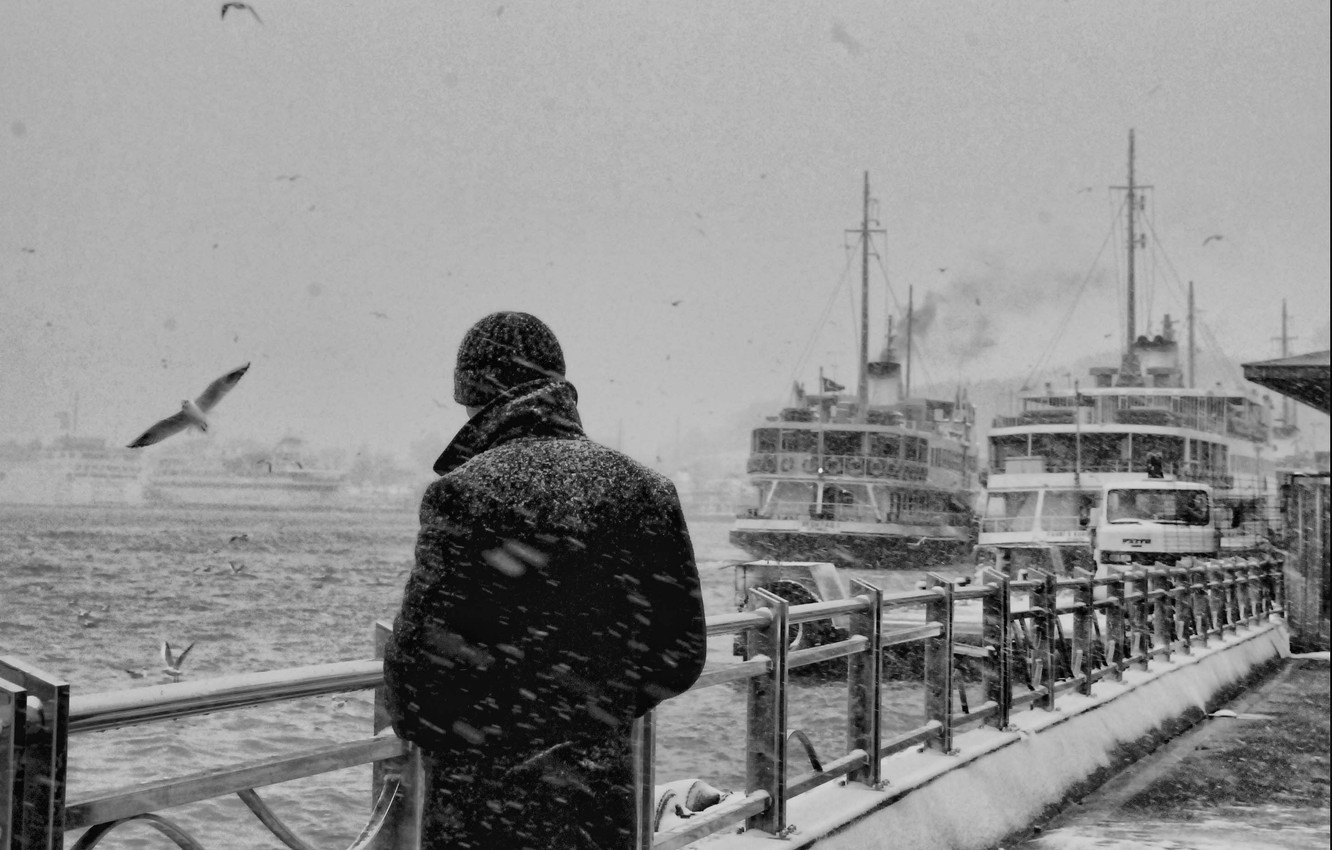 Photo wallpaper sadness, sea, snow, reverie, memories, loneliness, thoughts, the fence, seagulls, black and white, ships, port, …