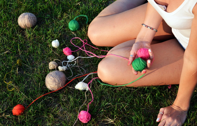 Photo wallpaper grass, girl, feet, shorts, thread, clubs