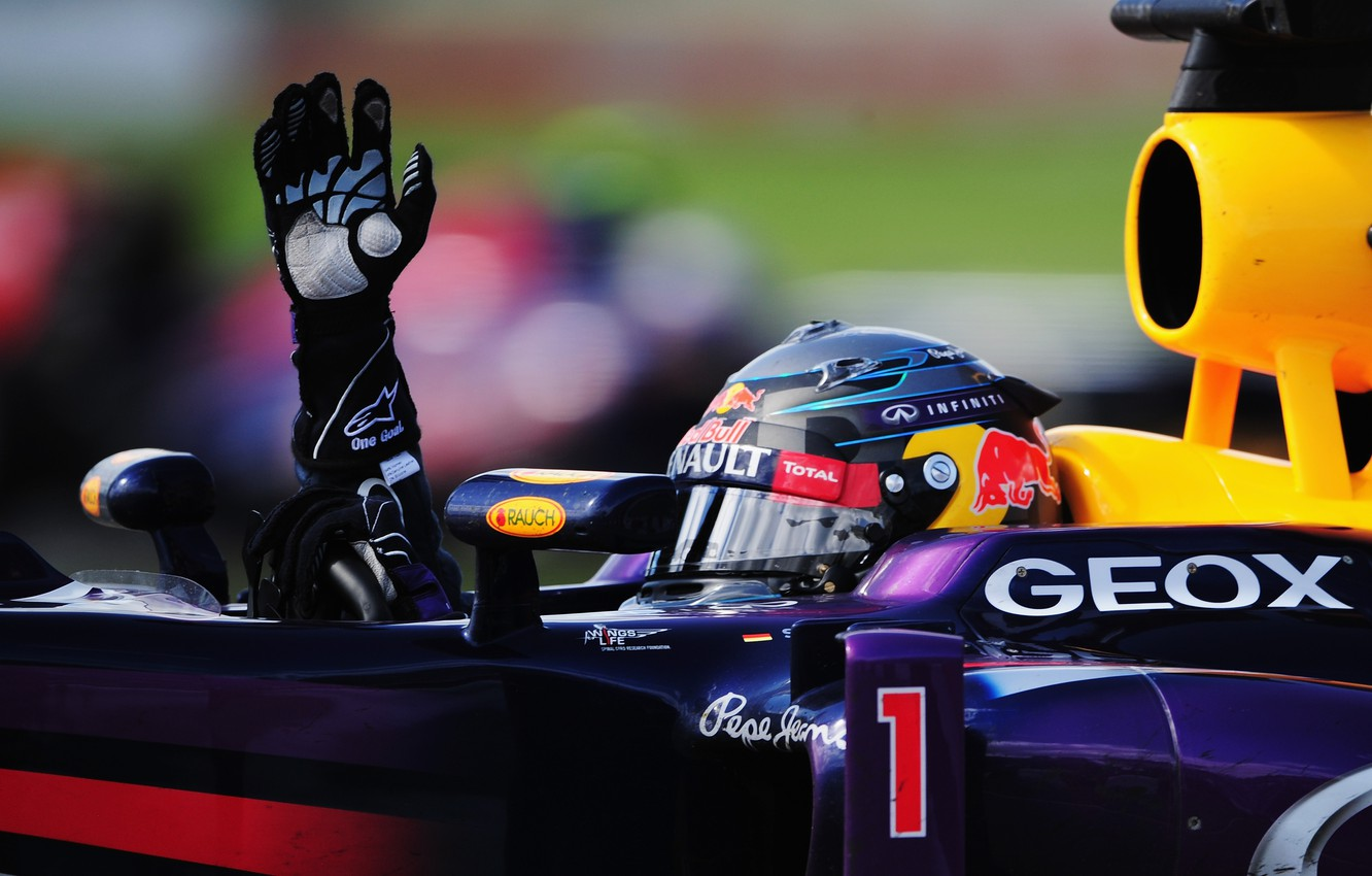 Wallpaper Renault Racer Formula 1 Red Bull Vettel Hybrid The Car Turbo Hi Tech First Champion Total The Leader Sebastian First Focus Images For Desktop Section Sport Download